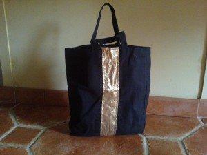 Cabas noir et or dans sac wp_0006511-300x225